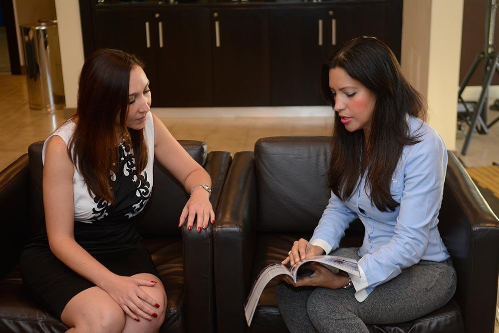Angelica Ramirez /Grace Salas -MAKINAS