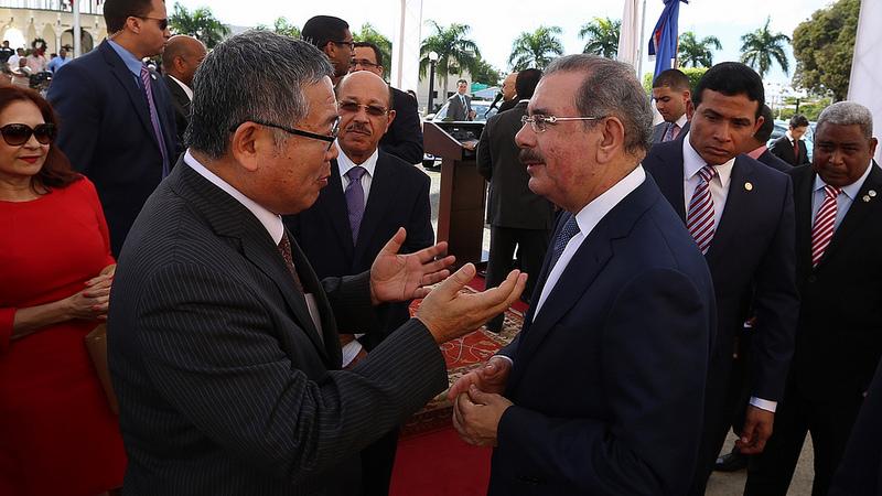 Japón Entrega a República Dominicana 129 Toyota Híbridos