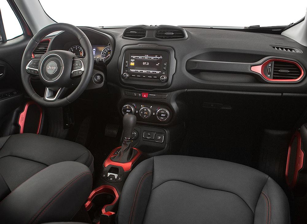 10.-Jeep-Renegade-Compacto-Poder-de-ReJeep-ventarse---MAKINAS