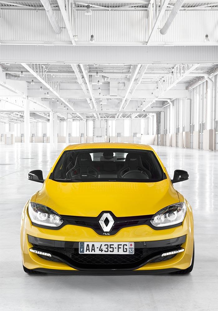 3. Renault Megane RS Formula Fraguada en los Circuitos - MAKINAS
