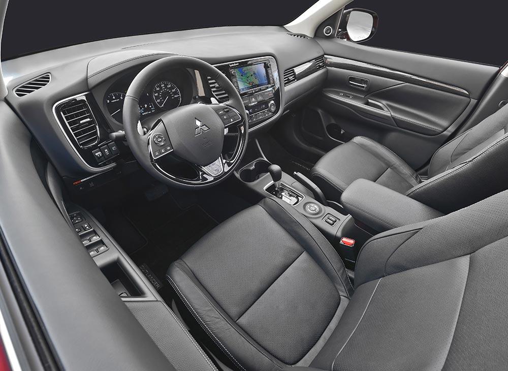 6. Prueba - Mitsubishi Outlander Exclamacion al Futuro - MAKINAS